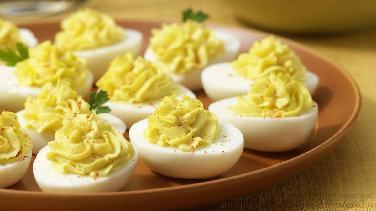 In cucina con Pingu: <span>classic Deviled Eggs (uova ripiene)</span>