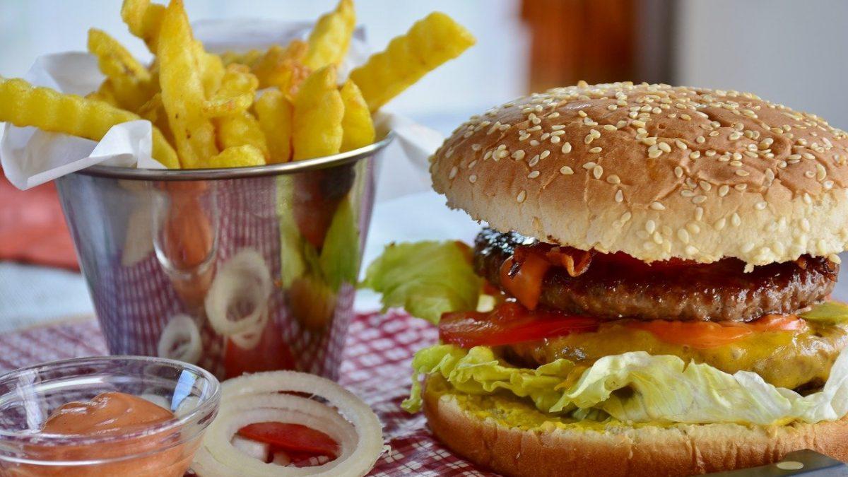 In cucina con Pingu: preparare un ottimo <span>hamburger fatto in casa</span>